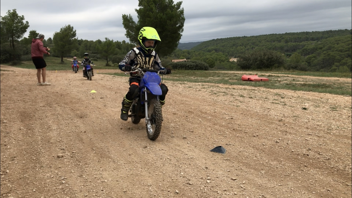initiation moto cross près d'Aix-en-Provence